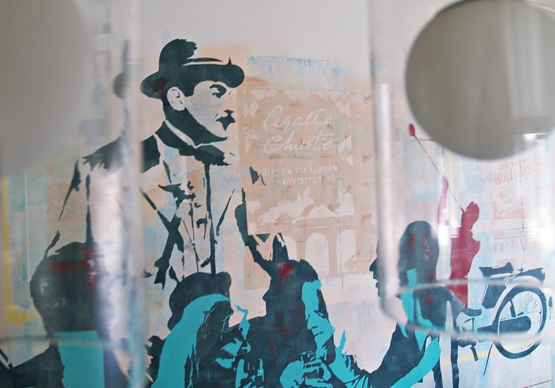 Seinämaalaus_Poirot
